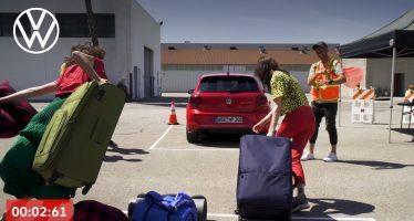 Οι γυναίκες ή οι άντρες φορτώνουν πιο γρήγορα το πορτμπαγκάζ; (video)