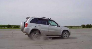 Έβαλε όπισθεν ενώ κινούνταν με 100 χλμ./ώρα (video)