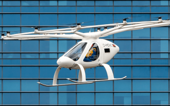 Ιπτάμενο ταξί έκανε δοκιμαστική πτήση (video)