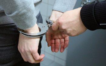 Αστυνομικός συνέλαβε επ΄ αυτοφώρω ανήλικο που έκανε διάρρηξη στο αυτοκίνητο του