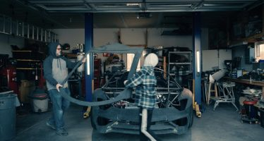Δωδεκάχρονος κατασκευάζει μια Lamborghini Aventador SV! (video)