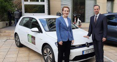 Το υπουργικό και ηλεκτροκίνητο Volkswagen e-Golf