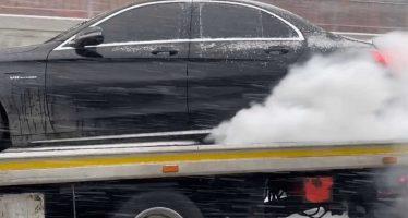 Βurnout πάνω σε γερανό από Mercedes AMG C63 S (video)