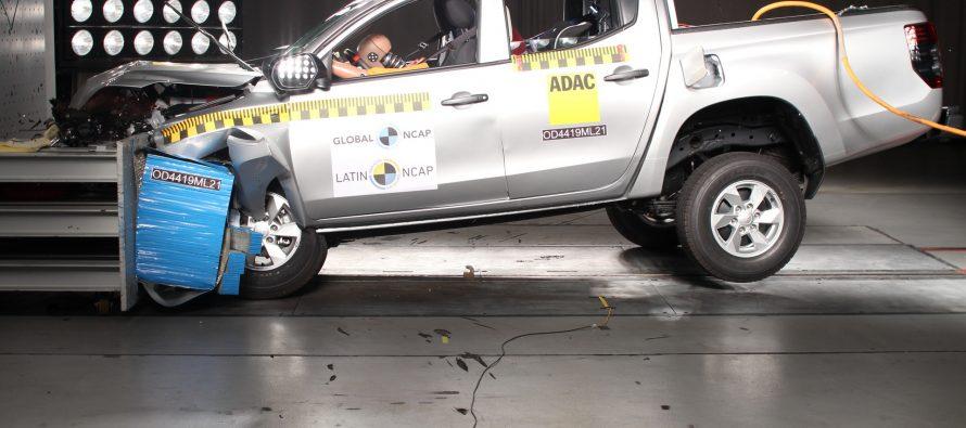 Σοκάρει η απουσία αερόσακων στο Mitsubishi L200 (video)