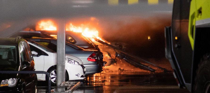 Μεγάλη πυρκαγιά έκαψε 300 αυτοκίνητα (video)
