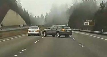 Δείτε πως ένα Lexus έστειλε στο χαντάκι το Subaru (video)