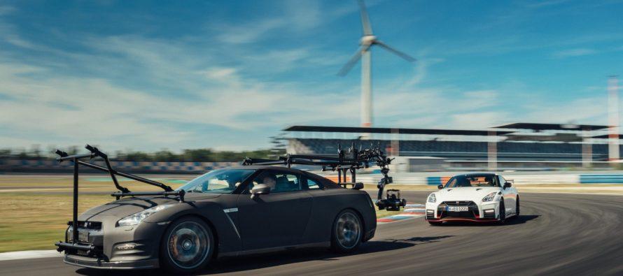 Το Nissan GT-R βιντεοσκοπεί το κορυφαίο GT-R Nismo