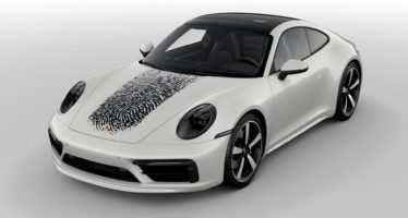 Η Porsche 911 διακοσμείται με το δακτυλικό αποτύπωμα του οδηγού της