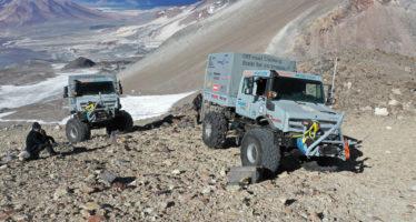 Φορτηγά Mercedes στο ψηλότερο ηφαίστειο του κόσμου (video)