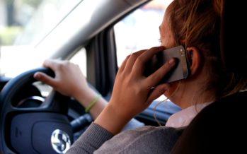 Κινητό τηλέφωνο και αλκοόλ άμεσα συνδεδεμένα με τον Έλληνα οδηγό