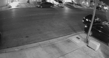Audi τράκαρε τρία σταθμευμένα αυτοκίνητα (video)