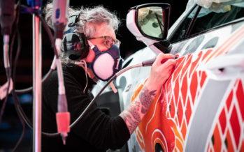 Τατουάζ σε αυτοκίνητο κόστισε σχεδόν 130.000 ευρώ (video)