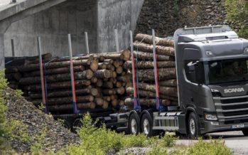 O κορωνοϊός σταματά την παραγωγή των Scania