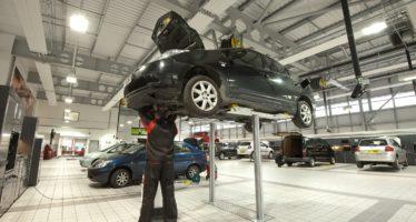 Επιτρέπεται η μετάβαση σε εκθέσεις αυτοκινήτων και συνεργεία