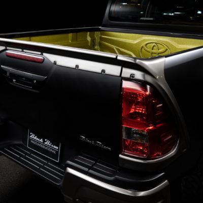 Toyota Hilux Sports Line Black Bison Edition (6)