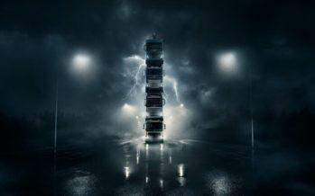Απίστευτο και όμως η Volvo έφτιαξε πύργο με τα φορτηγά της! (videos)