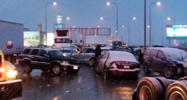 Σύγκρουση 60 οχημάτων με αρκετούς τραυματίες (video)