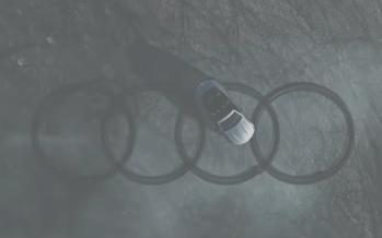 Mercedes σχηματίζει το λογότυπο της Audi! (videos)