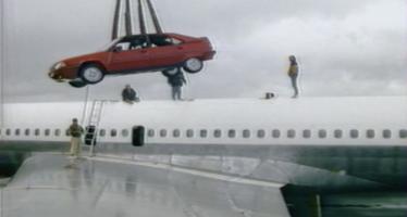 Citroen δέθηκε και απογειώθηκε πάνω σε Boeing 707! (video)