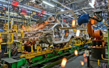 Η Lada δε φοβάται τον κορωνοϊό και ανοίγει τα εργοστάσια της