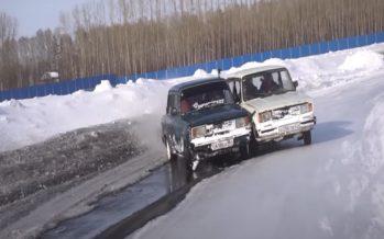 Σιαμαία Lada κάνουν drift στο χιόνι (video)