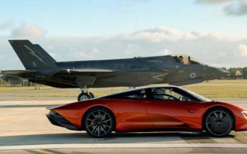 Κόντρα της McLaren Speedtail με μαχητικό αεροσκάφος (video)