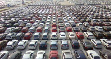 Κατρακύλησαν οι παγκόσμιες πωλήσεις αυτοκινήτων λόγω κορωνοϊού