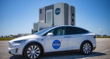 Αποστολή αστροναυτών στο διάστημα με Tesla! (video)