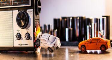 Αγώνας με χάρτινες μινιατούρες της Toyota! (video)