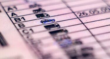 Ο κορωνοϊός φέρνει παράταση στην ισχύ των αδειών οδήγησης