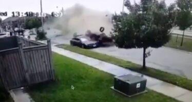 Επέζησε από σοκαριστικό τροχαίο (video)