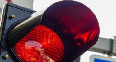 Κόκκινο φανάρι και κράνος άγνωστες λέξεις για ορισμένους οδηγούς