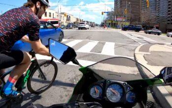 Πείτε τη γνώμη σας για αυτή τη σύγκρουση ποδηλάτου μοτοσυκλέτας (video)