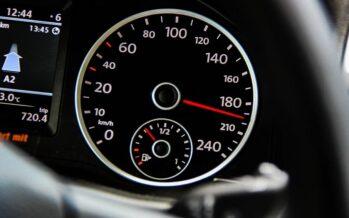 Υπερβολική ταχύτητα και κινητό τηλέφωνο στην οδήγηση-6.381 παραβάσεις
