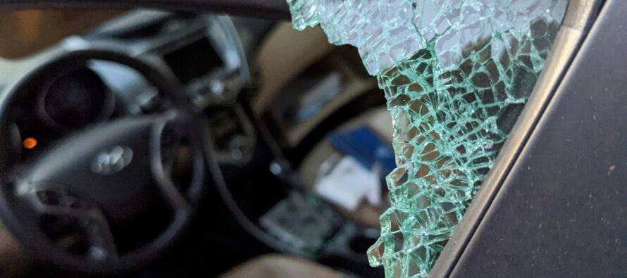 Συνελήφθησαν διαρρήκτες αυτοκινήτων που δρούσαν σε Αργυρούπολη και Άλιμο
