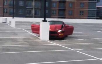 Κολόνα και Ford Mustang GT έγιναν ένα! (video)