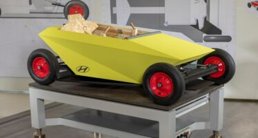Ξύλινο και χωρίς κινητήρα νέο Hyundai Soapbox (video)
