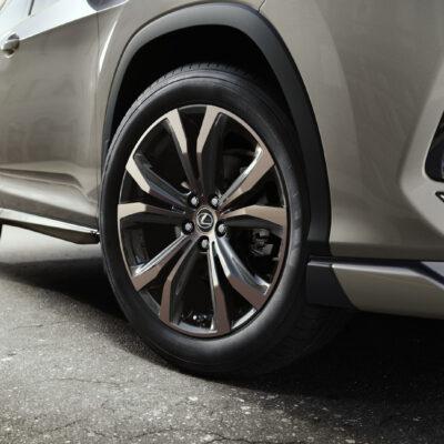 Lexus RX Sport (1)
