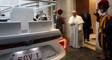 Με Toyota μετακινείται ο Πάπας Φραγκίσκος