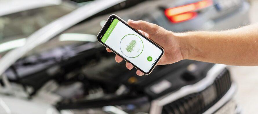 Ακούγεται περίεργος ήχος από το αυτοκίνητο; Η εφαρμογή της Skoda σας δείχνει τι φταίει!