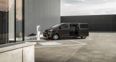Ηλεκτρικό Toyota χωράει 8 επιβάτες και καλύπτει 330 χλμ. με μια φόρτιση
