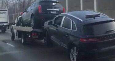 Ο χειρότερος τρόπος να ρυμουλκήσεις αυτοκίνητο (video)