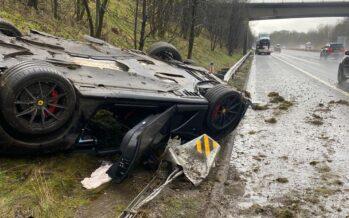 Καταιγίδα «έπνιξε» μια Ferrari 812 Superfast