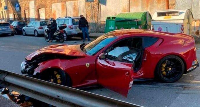 Σε ποιο γνωστό τερματοφύλακα ανήκει αυτή η κατεστραμμένη Ferrari 812 Superfast; (video)