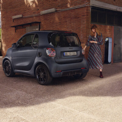 smart EQ fortwo edition bluedawn: Elektrisierender Blickfang mit Stil