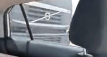 Μεθυσμένος οδηγός φορτηγού χτύπησε αυτοκίνητο αλλά δε σταμάτησε (video)