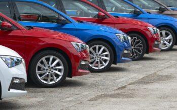 Πόσα αυτοκίνητα πουλήθηκαν στην Ελλάδα το Φεβρουάριο; Πτώση σχεδόν 15%