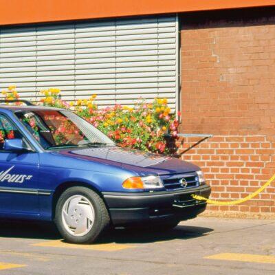 Opel Astra Impuls II (1992)