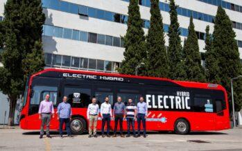 Ιδού το πρώτο υβριδικό λεωφορείο στην Ελλάδα-Σε ποια πόλη κάνει δρομολόγια;