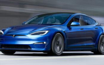 Η παγκόσμια παραγωγή αυτοκινήτων έχει κολλήσει αλλά η Tesla κάνει ρεκόρ πωλήσεων